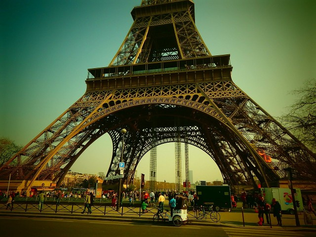 eiffel-tower-361092_1280