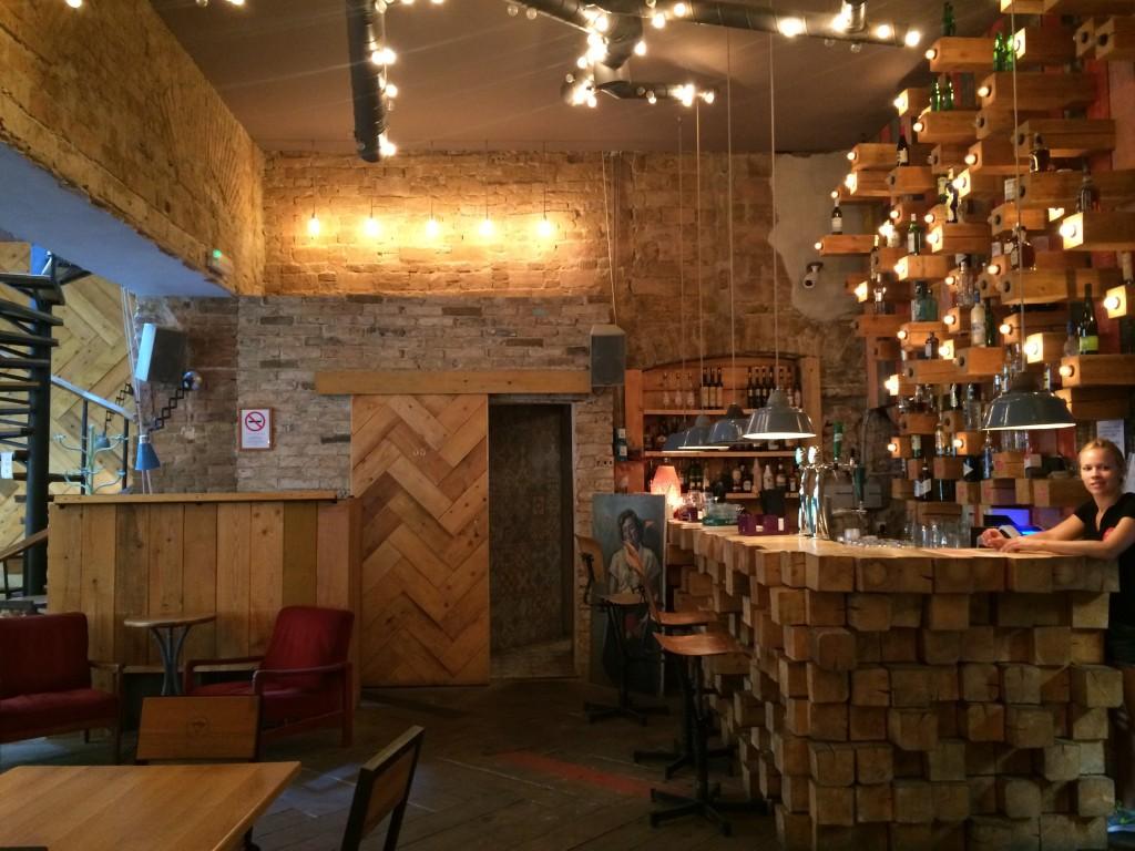 L'intérieur du bar Liebling.