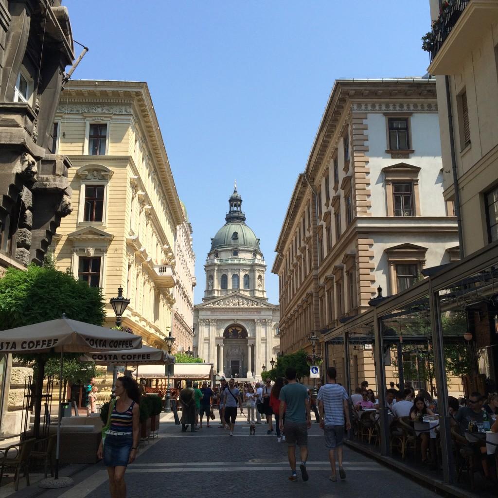 La Basilique St-Étienne est l'un des bâtiments religieux les plus impressionnants de Budapest.