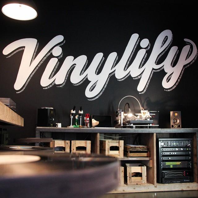 """alt=""""vinylify"""""""