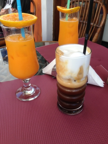 "alt=""Cappuccino-freddo-jus-d'orange-grece"""