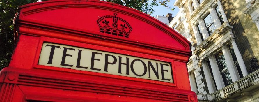 "alt=""cabine-telephone"""