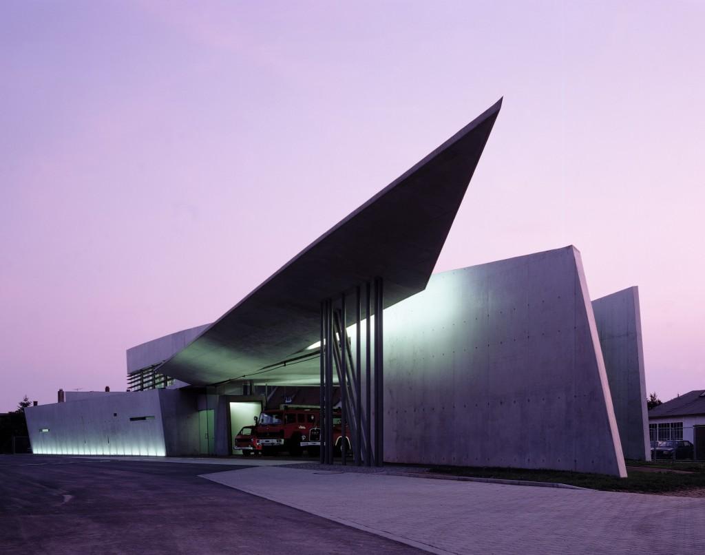 Le premier bâtiment réalisé par Zaha Hadid : la caserne de pompiers Vitra. Photo : Christian Richters, gracieuseté de ZHA.