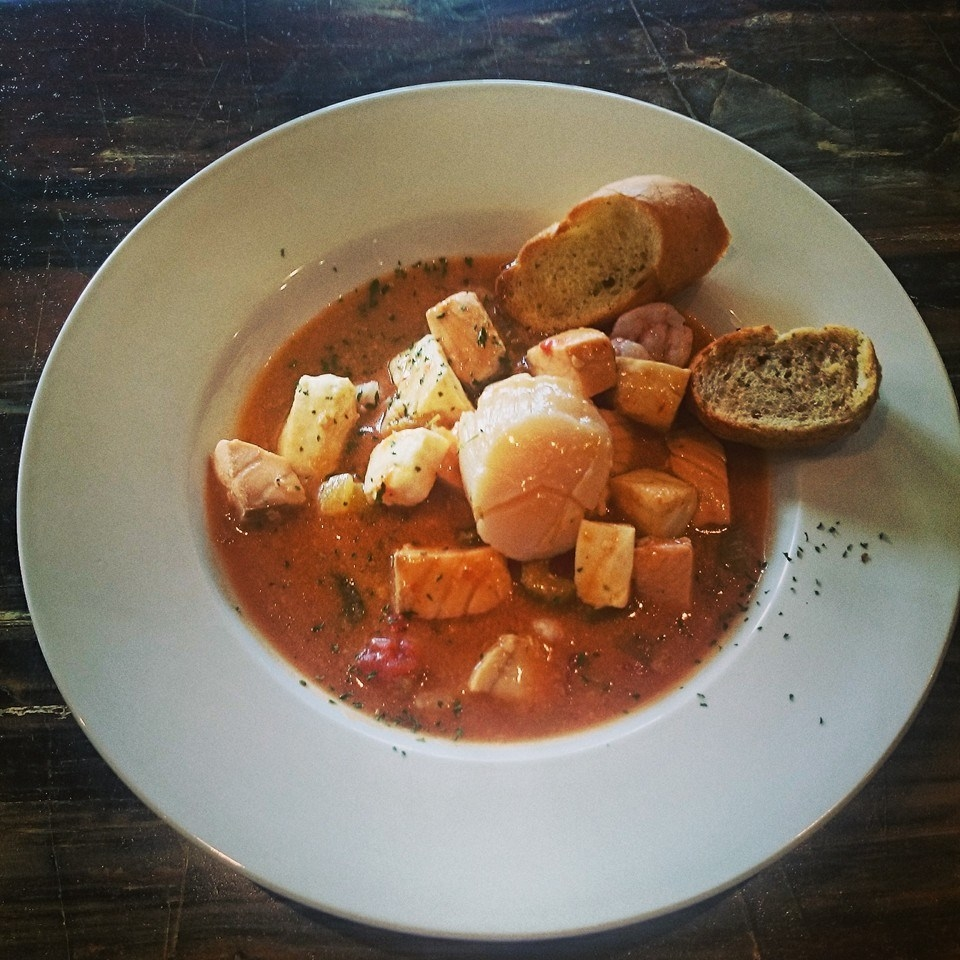 La fameuse bouillabaisse. Photo: Facebook Bistro-Bar le Brise-Bise