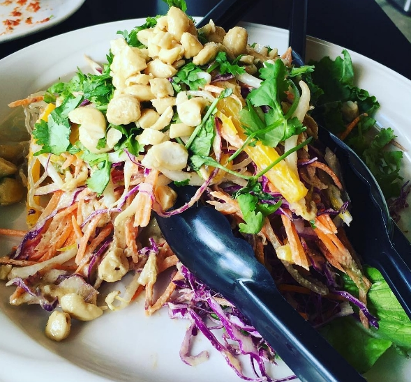 Pad thai cru du Greens & Vines. Photo: Instagram