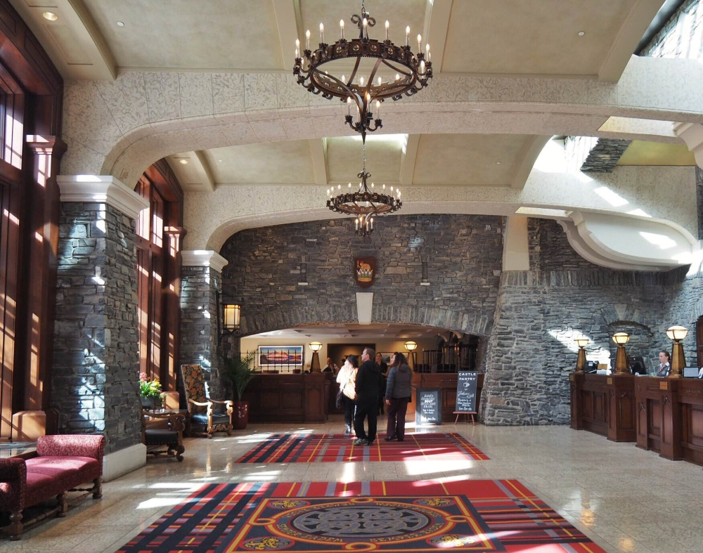 Le lobby de l'hôtel Banff Springs. Photo: Marie-Julie Gagnon