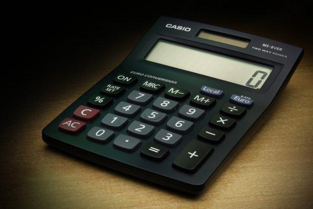 """alt=""""finances"""""""