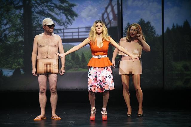 Divorcés et nus, avec Brad Pitt et Julie Snyder. Photo: François Laplante Delagrave.