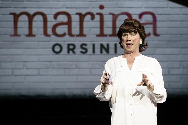 François Maranda et son excellente imitation de Marina Orsini. Photo: François Laplante Delagrave