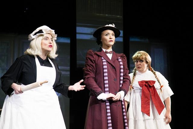 Clin d'œil à Mary Poppins. Photo: François Laplante Delagrave.