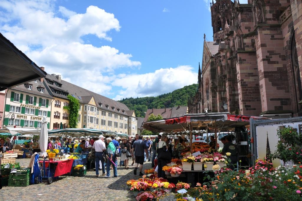 Marché de Freiburg. Photo: Guerric, Flickr