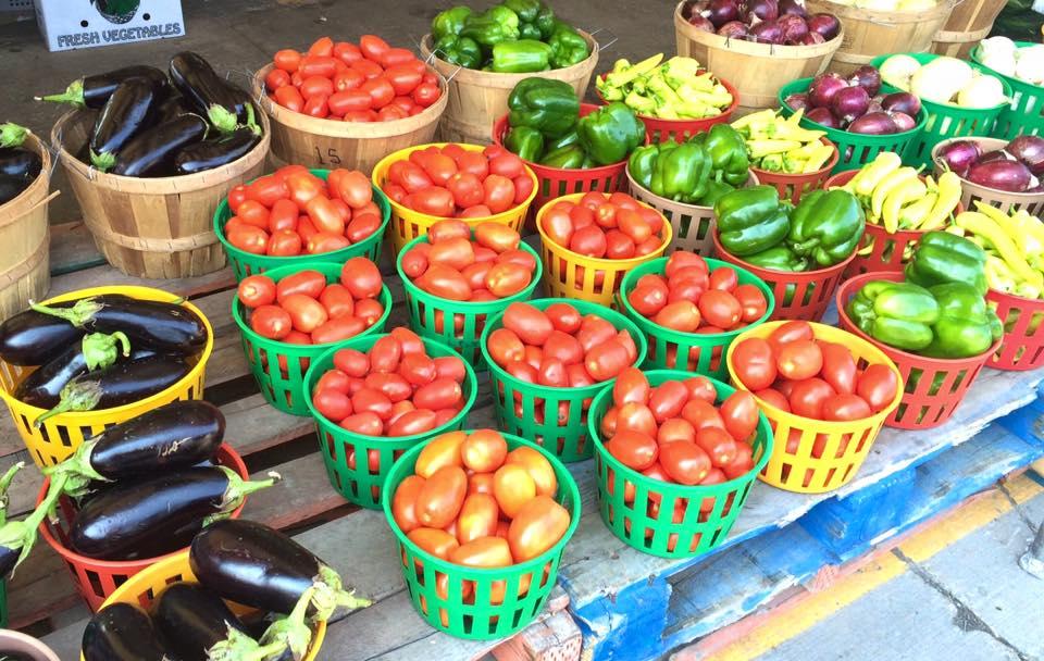 Les étals du Marché Jean-Talon et de tous les marchés publics du Québec débordent des couleurs et des variétés de légumes du Québec en cette saison.