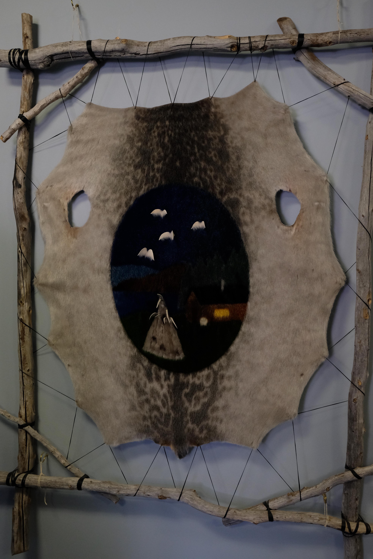 Une peau de phoque transformée en oeuvre d'art. Photo: Véronique Leduc