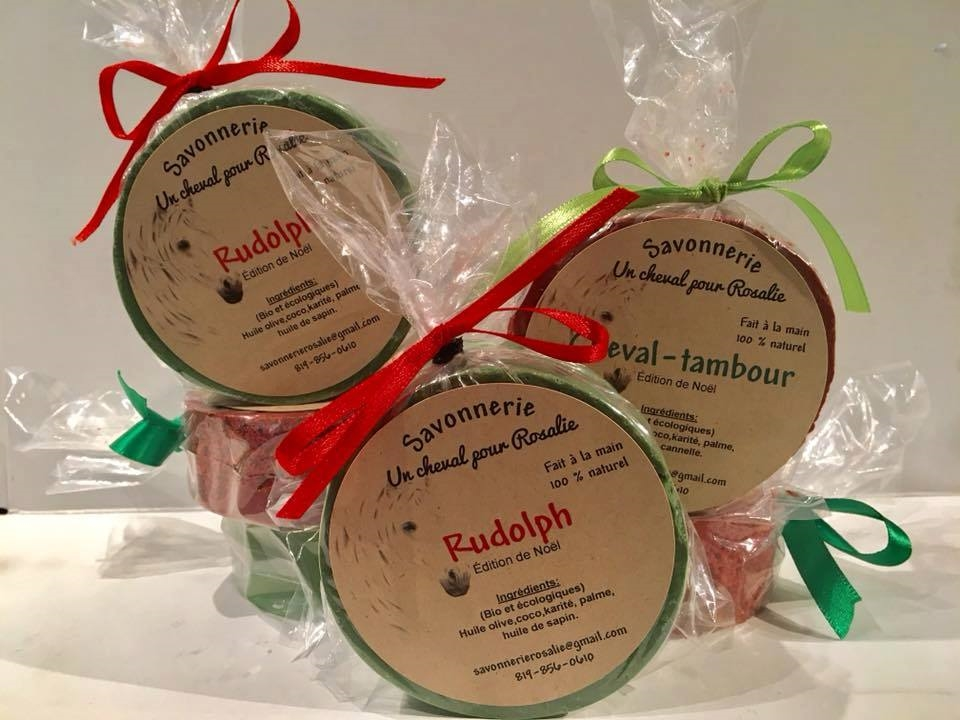 Les produits de la Savonnerie un cheval pour Rosalie, disponibles au Marché de Noël de la Vallée de l'Or