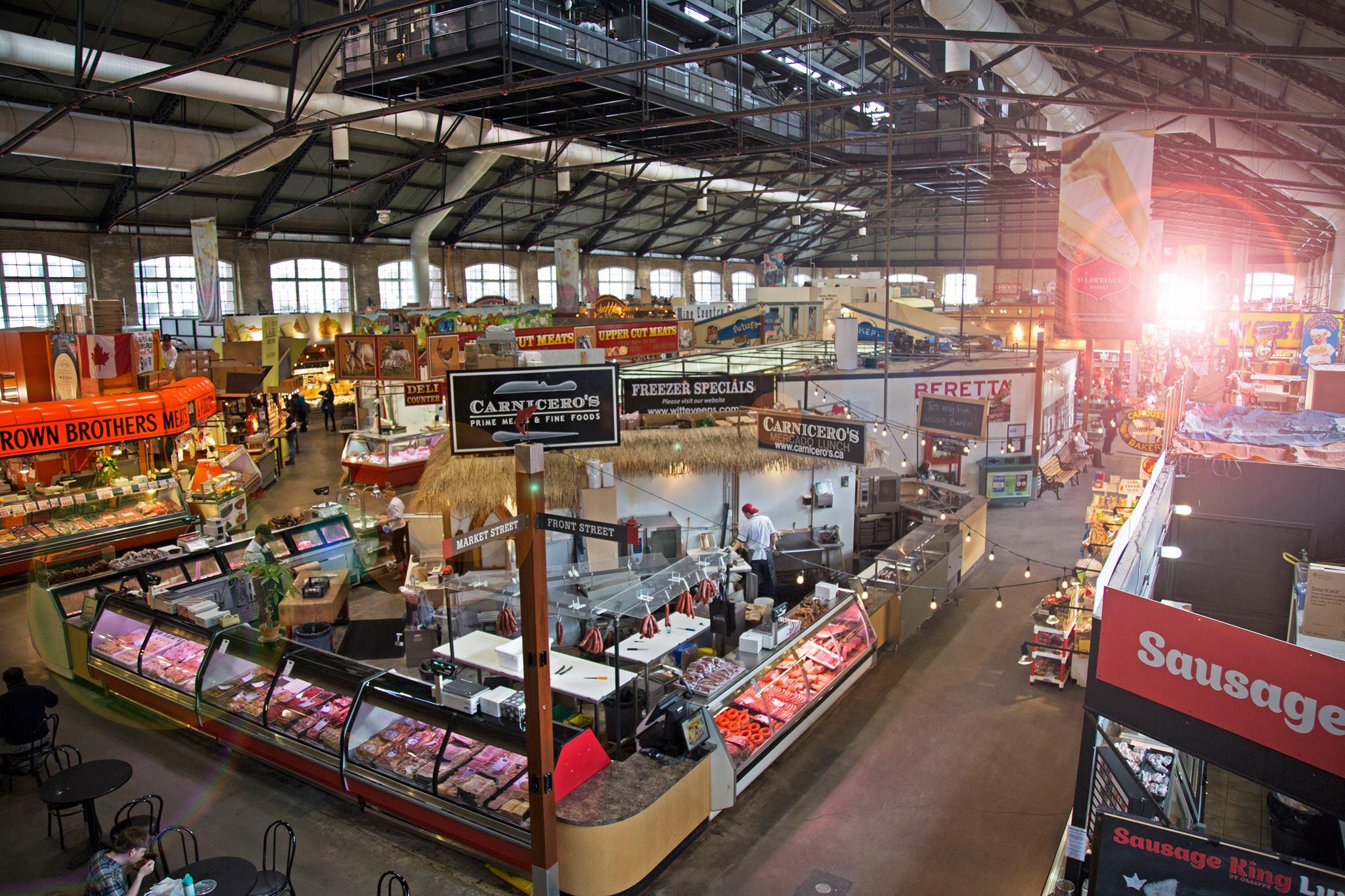 Le St-Laruence market de Toronto regroupe plusieurs marchands dont la boulangerie Caroussel Bakery qui lancé le fameux peameal sandwich PhotoÈ Facebook St-Lawrence market