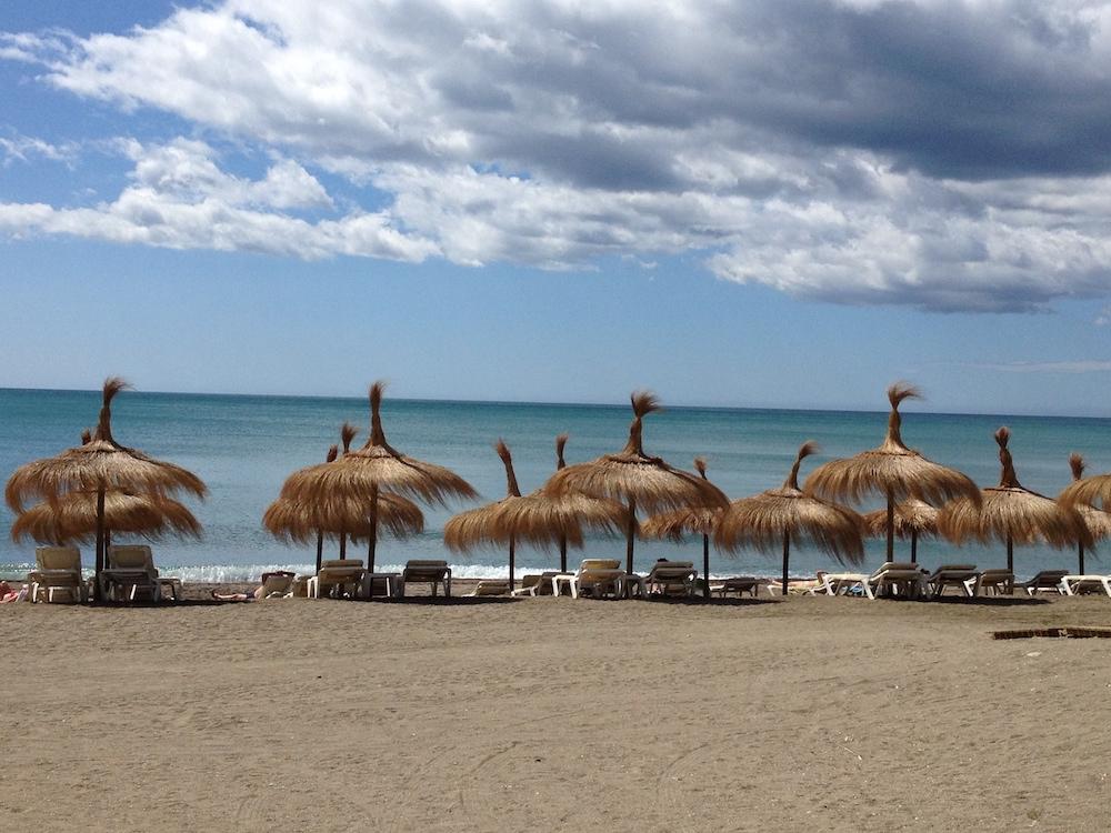 Il y a plusieurs bonnes raisons de s'arrêter à Malaga, dont les plages! Photo: lhotessedelair.com