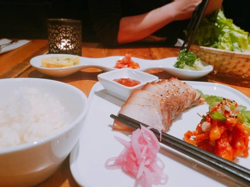 Les assiettes du restaurant Petit Séoul ravissent les critiques gastronomiques. Photo: Facebook Le Petit Séoul