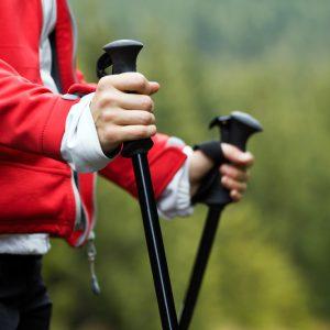 Les bâtons de marche: des indispensables! Photo: Deposit