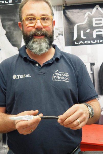 Benoit l'Artisan dans son atelier à Laguiole. Photo: Marie-Julie Gagnon