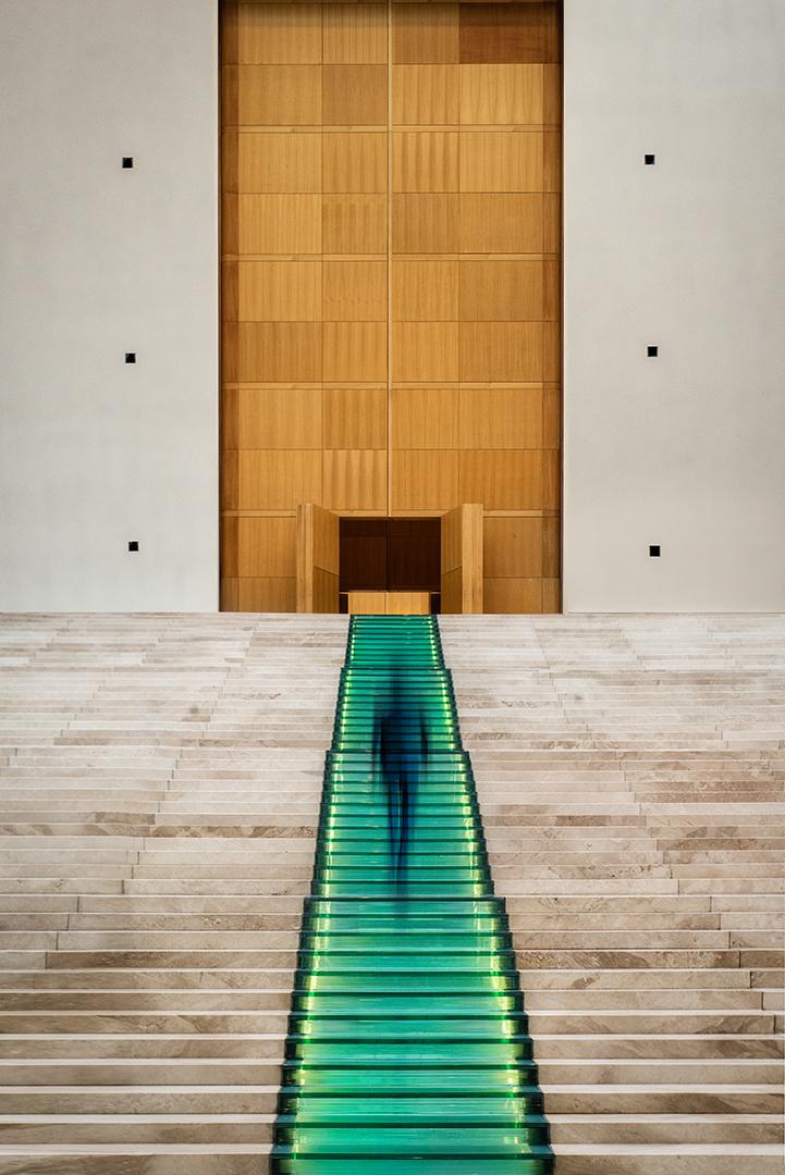 """""""Le tapis vert"""" Yves Demers-Paris 1er prix thème: Escalier et photo de l'année"""