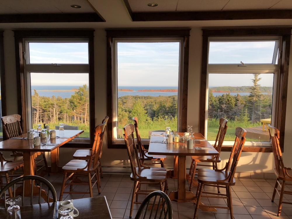 La vue du resto est celle que je décris au début (l'île boudreau est la bande de terre qu'on aperçoit). Photo: Marie-Julie Gagnon