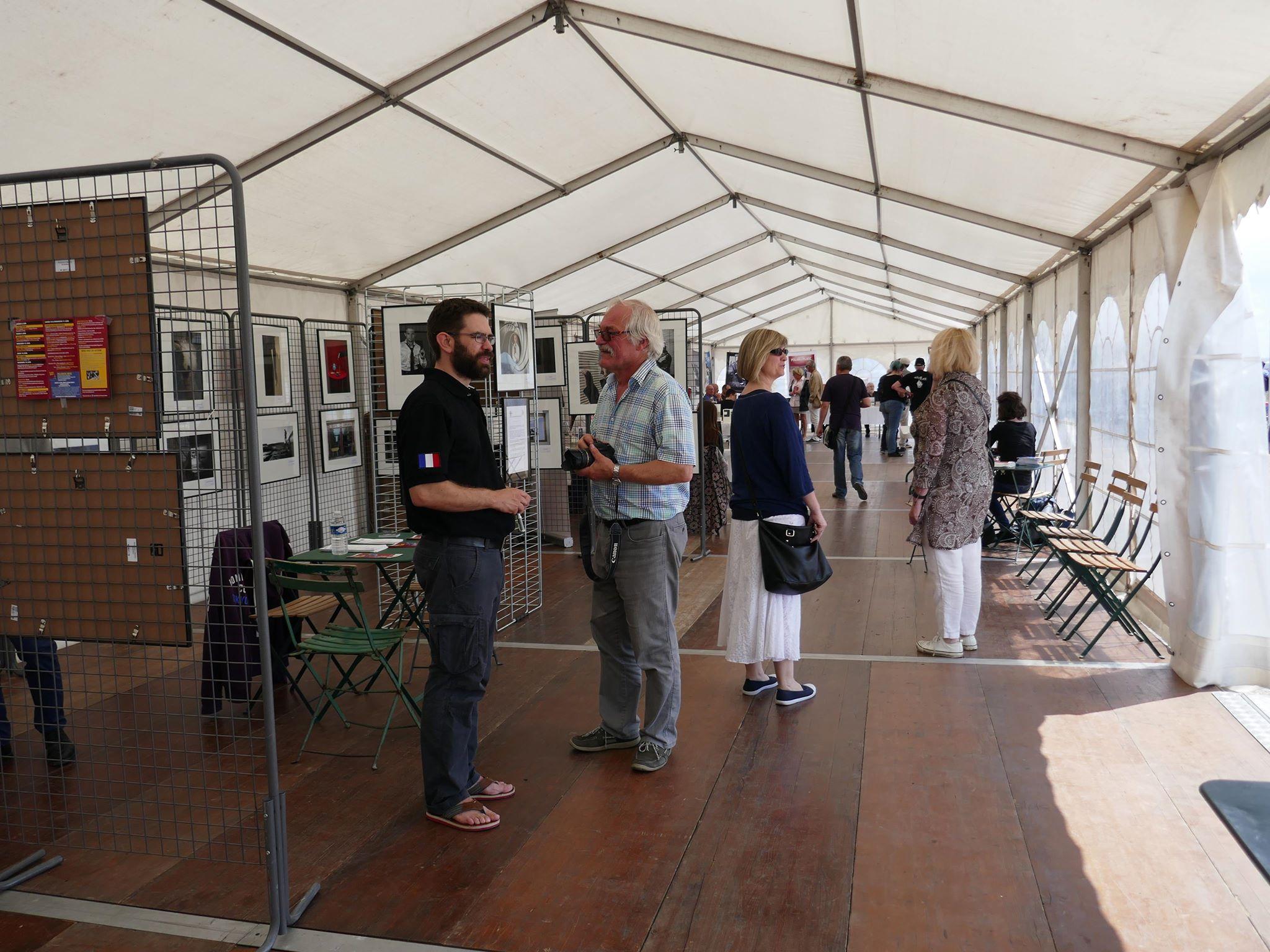 """Le festival Polar à la plage offrait plusieurs volets dont un concours de photos, illustrant le """"noir"""" Photo: Richard Migneault"""