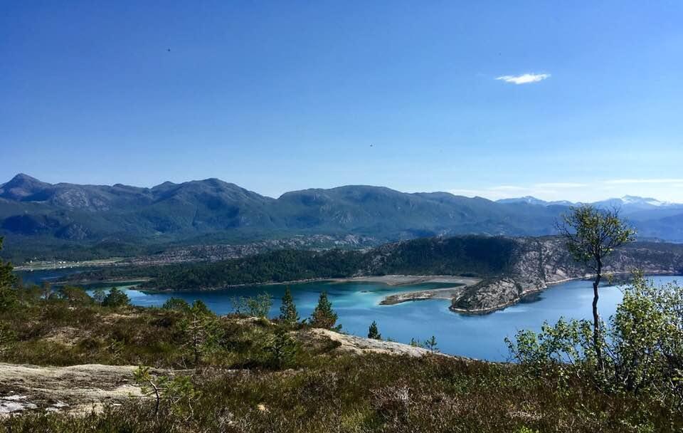 Vue du sommet de Teppkiltinden. Photo: Anne Pélouas