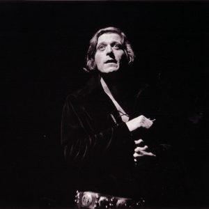 Albert Millaire dans Hamlet au TNM en 1968