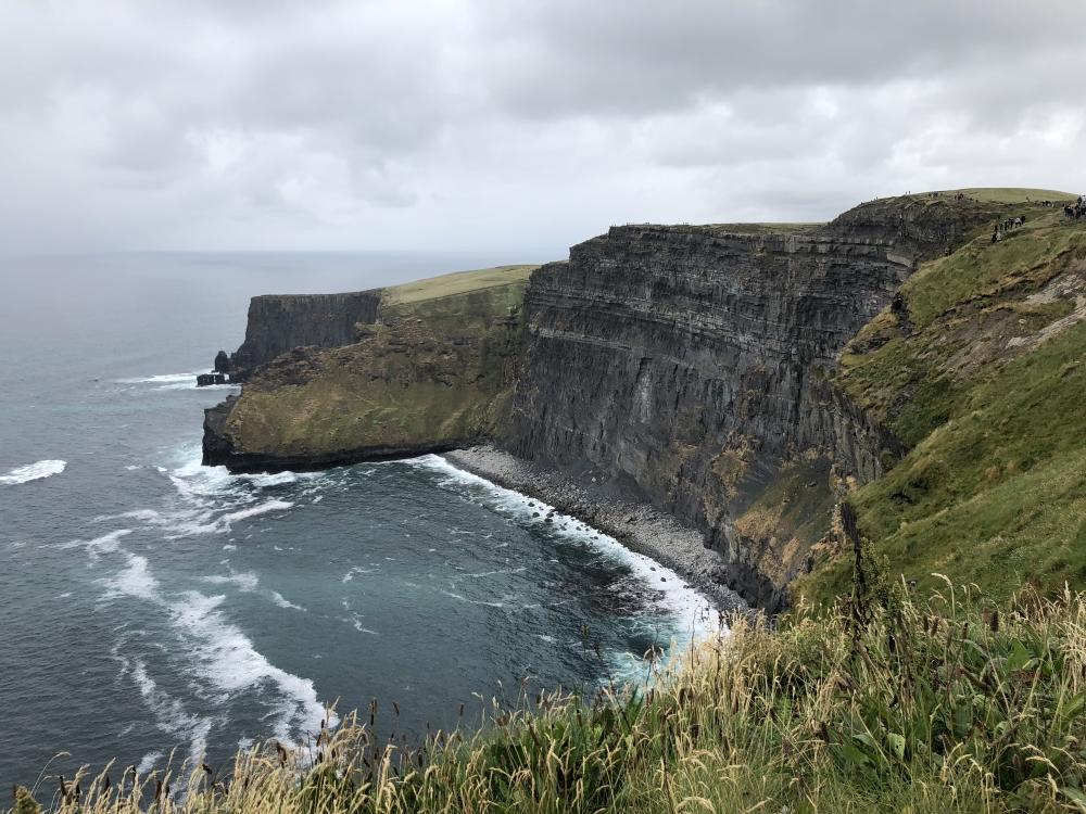 Les falaises de Moher s'élèvent jusqu'à 214 mètres au-dessus de l'océan. Photo: Marie-Julie Gagnon