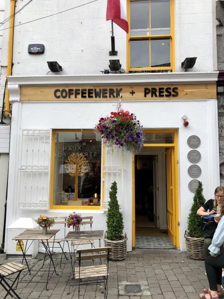 Le Coffeewerk + Press, là où notre chroniqueuse Marie-Julie Gagnon a bu le meilleur latte de son séjour européen. Photo: Marie-Julie Gagnon