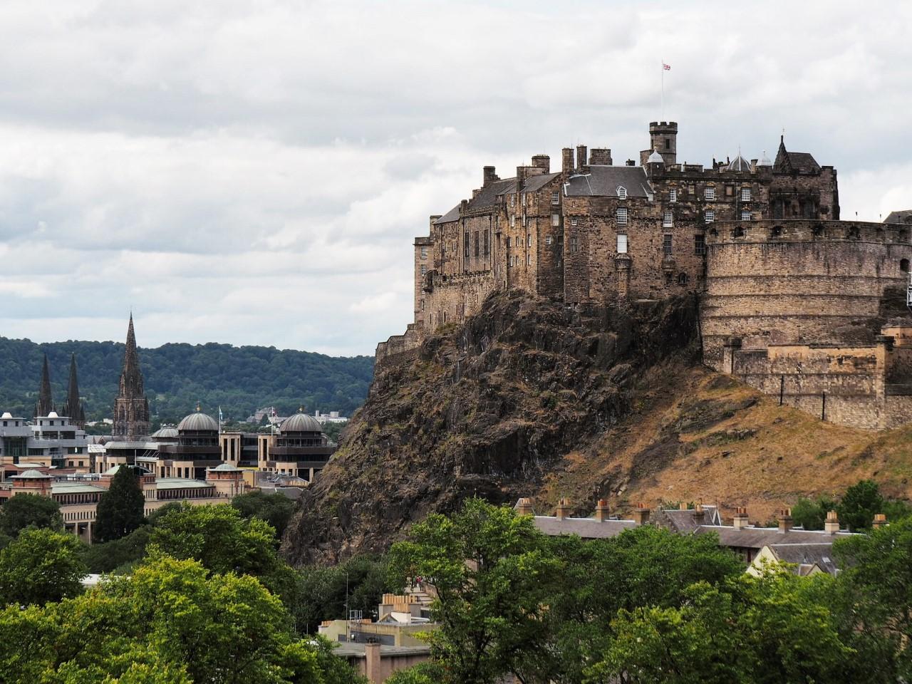 Le Château d'Édimbourg vu de la terrasse du Musée national d'Écosse. Photo: Marie-Julie Gagnon