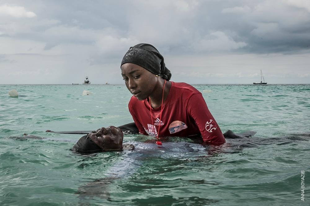 Titre : Liberté retrouvée dans l'eau © Anna Boyiazis
