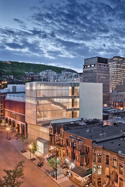 Le Pavillon pour la Paix Michal et Renata Hornstein, vue extérieure. Musée des beaux-arts de Montréal. Photo © Marc Cramer.