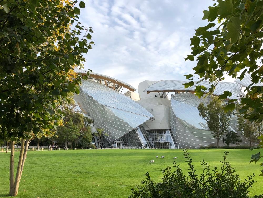 Inauguré en octobre 2014 après cinq ans de chantier, le vaisseau de verre imaginé par l'architecte Frank Gehry est dédié à l'art contemporain. Photo: Marie-Julie Gagnon