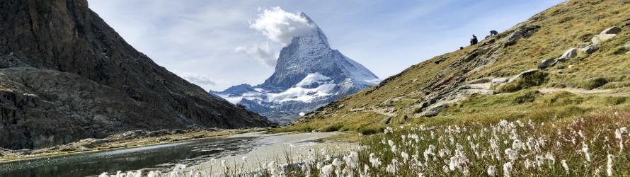 Randonnée suisse au pied du Matterhorn