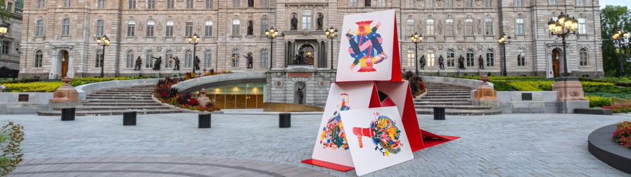 Passages insolites et embuscades: l'art public dans le Vieux-Québec